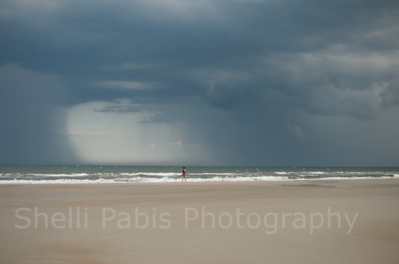 loved photographing this storm over the ocean